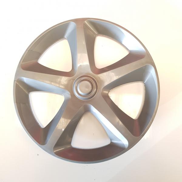 Front wheel hubcap
